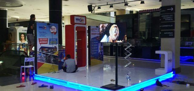 Booth Display Mitra 10 di Solo Paragon Mall